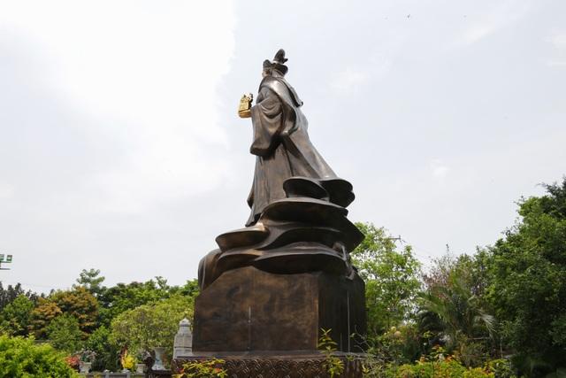 Chiêm ngưỡng bức tượng đồng nguyên chất lớn nhất Việt Nam - 6