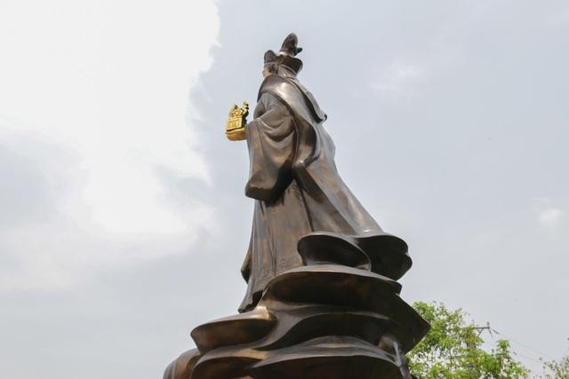 Chiêm ngưỡng bức tượng đồng nguyên chất lớn nhất Việt Nam - 13