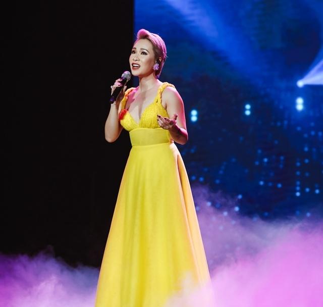 Uyên Linh, Minh Hằng cùng nhiều ca sĩ trình diễn… không có khán giả - 2