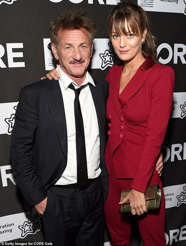 Nam diễn viên 60 tuổi Sean Penn kết hôn với bạn gái 9X - 1