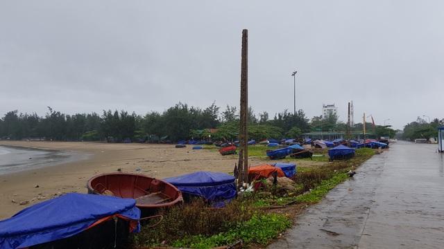 Tàu cá bị chìm do ảnh hưởng bão số 2 - 10