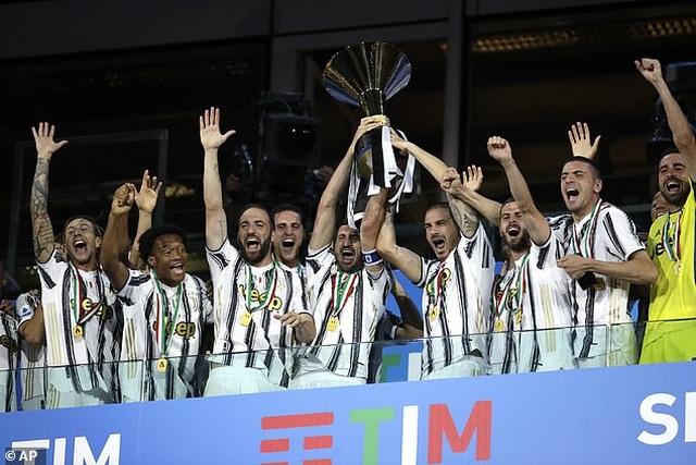 Juventus thua AS Roma, Inter giành ngôi á quân ở ngày hạ màn Serie A - 4