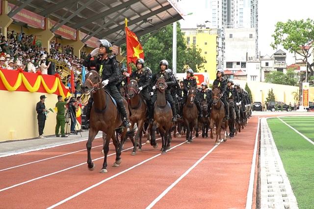 Diện mạo mới lạ của Đoàn cảnh sát cơ động kỵ binh  - 5