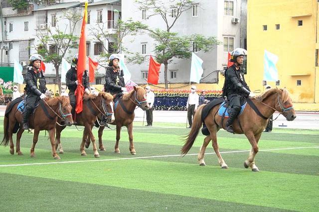 Diện mạo mới lạ của Đoàn cảnh sát cơ động kỵ binh  - 1