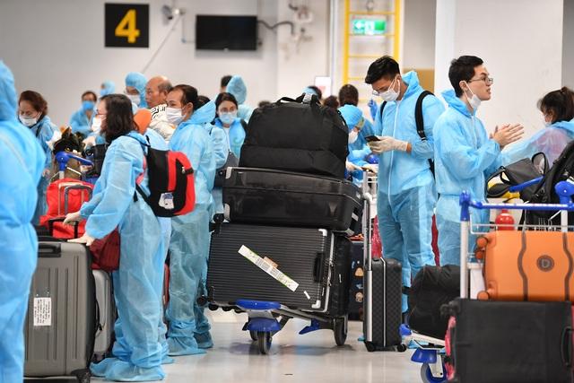 Sân bay Vân Đồn đón 278 công dân Việt Nam từ châu Âu về nước an toàn - 3
