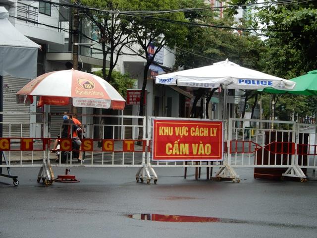 Thứ trưởng Y tế: Để du khách rời Đà Nẵng thời điểm đó là hợp lý - 2