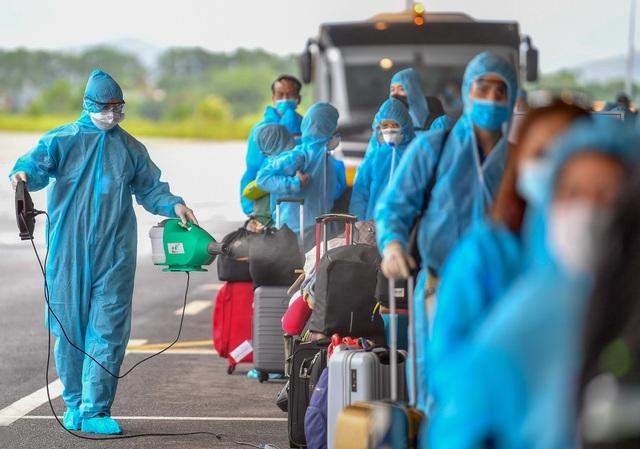 Sân bay Vân Đồn đón 278 công dân Việt Nam từ châu Âu về nước an toàn - 5
