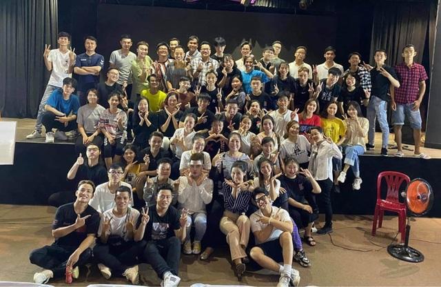 NSND Hồng Vân, Ái Như đóng cửa sân khấu vì dịch Covid-19 - 2