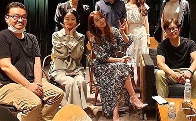 """Hôn nhân viên mãn của Lee Byung Heon bên mỹ nhân """"Vườn sao băng"""" - 6"""