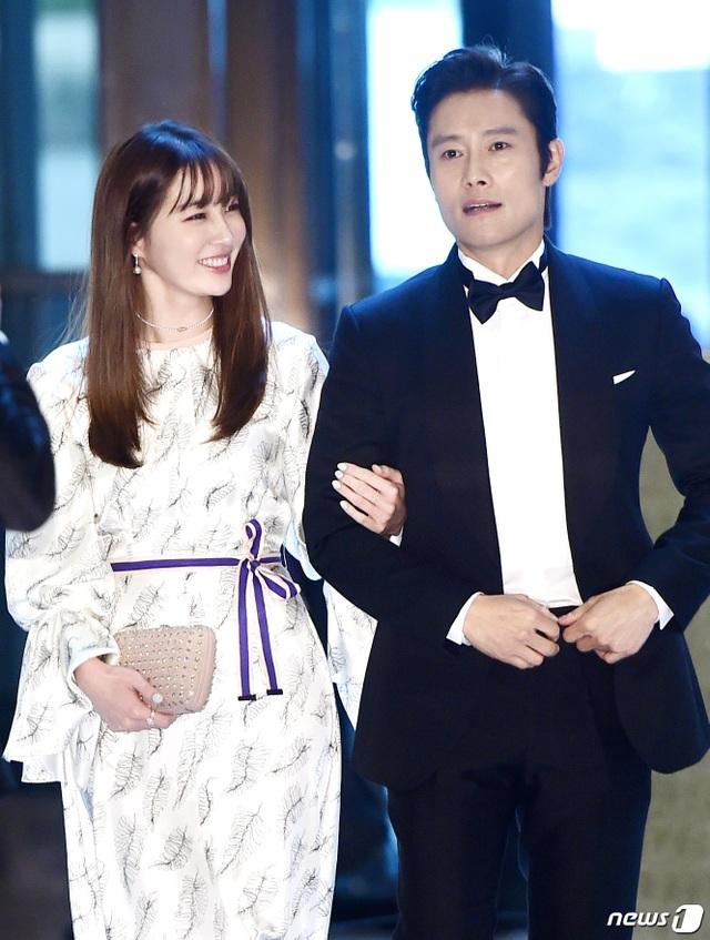 """Hôn nhân viên mãn của Lee Byung Heon bên mỹ nhân """"Vườn sao băng"""" - 3"""