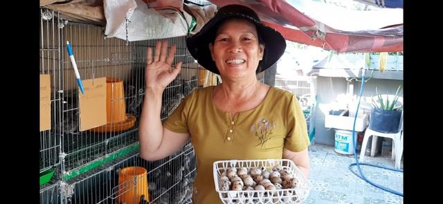 Hoa trái xum xuê, gà vịt đẻ trứng trên nông trại sân thượng nhà ở Sài Gòn - 11