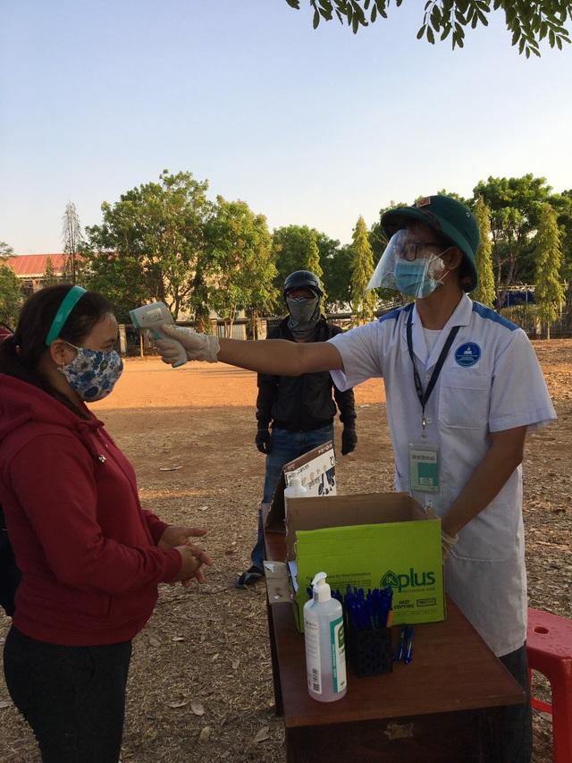 Đắk Lắk: Hàng trăm sinh viên tình nguyện xung phong chống dịch Covid-19 - 2