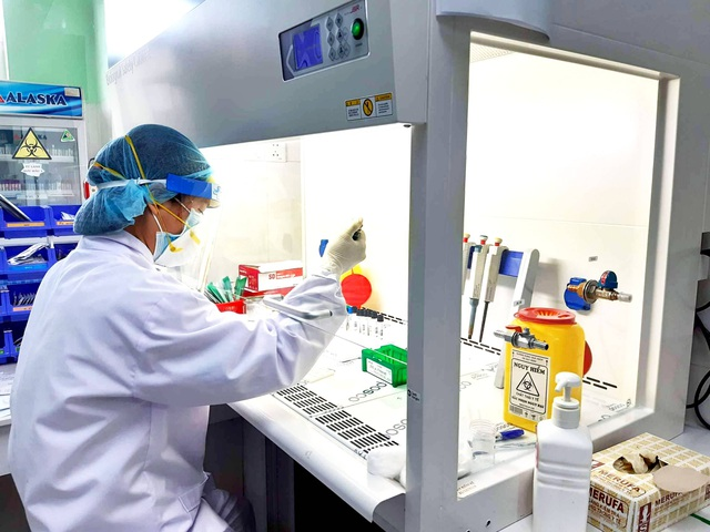 Covid-19 lây nhiễm mạnh, 7 người trong một gia đình Quảng Nam mắc bệnh - 1