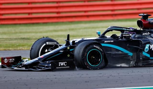 British GP 2020: Gay cấn tột độ, Lewis Hamilton lê lết cán đích - 10