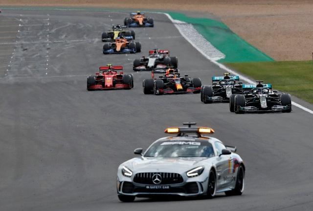 British GP 2020: Gay cấn tột độ, Lewis Hamilton lê lết cán đích - 6