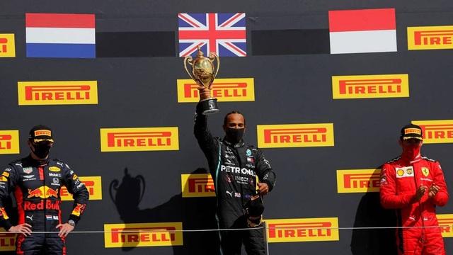 British GP 2020: Gay cấn tột độ, Lewis Hamilton lê lết cán đích - 13