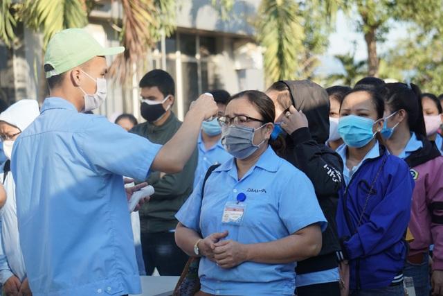 Giãn ca làm cho công nhân tại các khu công nghiệp có bệnh nhân mắc Covid-19 - 1
