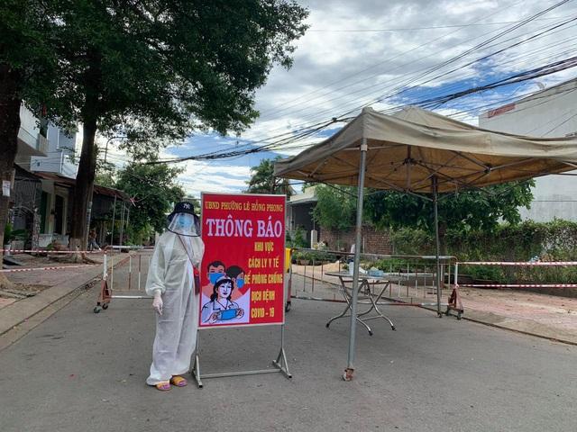 Quảng Ngãi:  Phong tỏa 4 khu dân cư, 1 trạm xá ngừa Covid-19 - 1