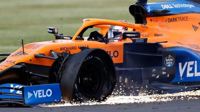 British GP 2020: Gay cấn tột độ, Lewis Hamilton lê lết cán đích - 8