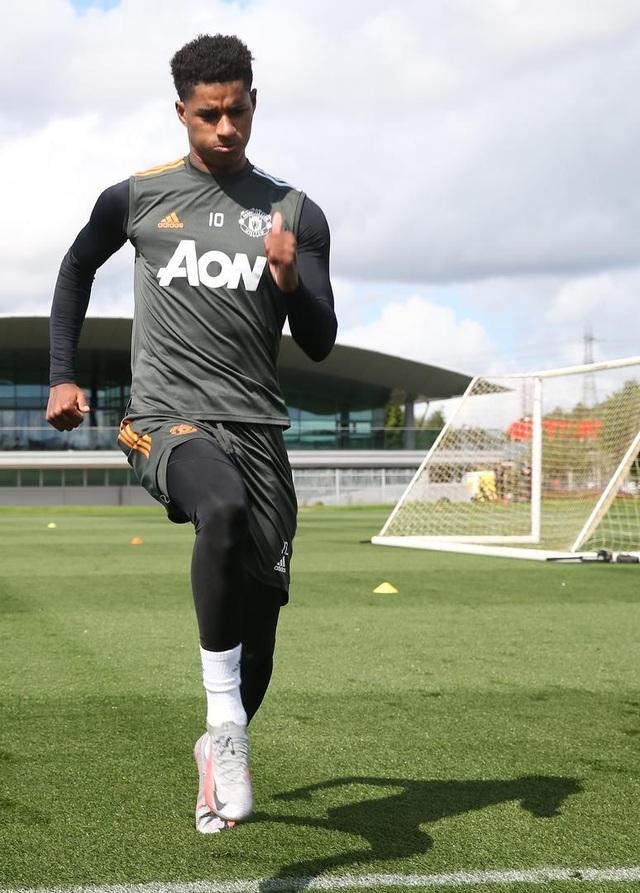 Man Utd luyện công chuẩn bị trở lại Europa League - 12