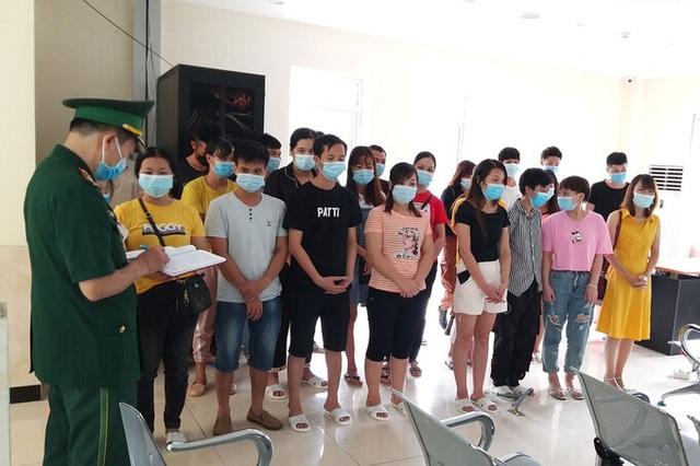 Hơn 30 người Việt từ Trung Quốc nhập cảnh trái phép về nước - 1