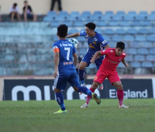 Quang Hải và các đồng đội bất ngờ bị CLB Quảng Nam cầm hoà - 2