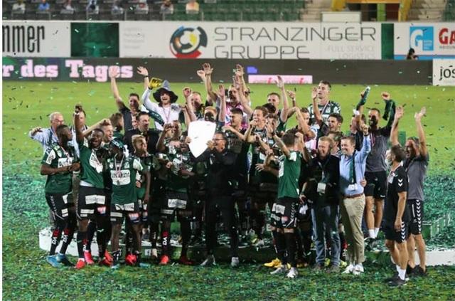 Trận đấu ở giải bóng đá châu Âu bị tố bán độ với tỷ số 9-0 - 2