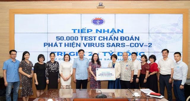 Sao Thái Dương chi viện 50.000 test chẩn đoán Covid-19 chống dịch lần hai - 1