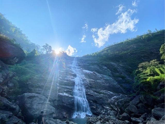 Sa Pa: Mãn nhãn thác nước cao hơn trăm mét đổ xuống từ đỉnh núi  - 6