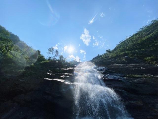 Sa Pa: Mãn nhãn thác nước cao hơn trăm mét đổ xuống từ đỉnh núi  - 10