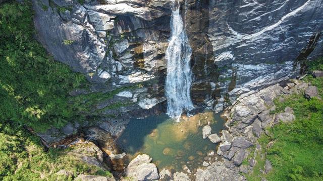 Sa Pa: Mãn nhãn thác nước cao hơn trăm mét đổ xuống từ đỉnh núi  - 5