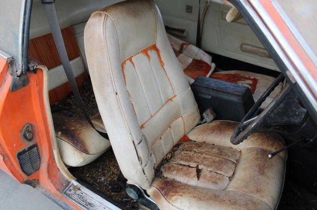 Xe đồng nát bị bỏ hoang 32 năm bỗng bán được giá kỷ lục - 9