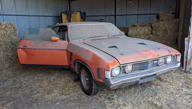 Xe đồng nát bị bỏ hoang 32 năm bỗng bán được giá kỷ lục - 3