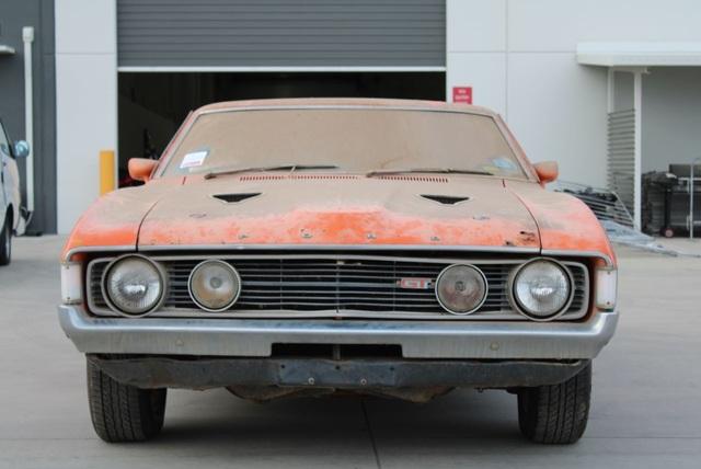Xe đồng nát bị bỏ hoang 32 năm bỗng bán được giá kỷ lục - 4