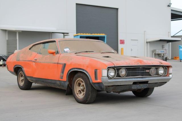 Xe đồng nát bị bỏ hoang 32 năm bỗng bán được giá kỷ lục - 5