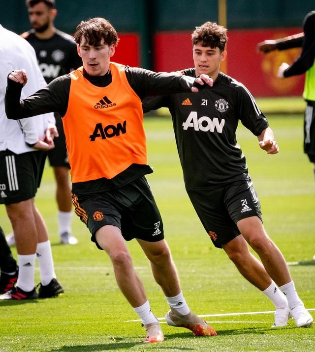 Man Utd luyện công chuẩn bị trở lại Europa League - 13