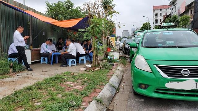 Hà Nội: Lái xe taxi điêu đứng vì Covid-19 - 5