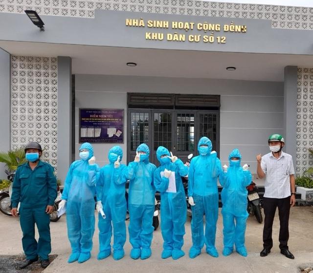 Sinh viên chi viện tâm dịch: 1 ngày gõ cửa 400 nhà để truy vết - 2