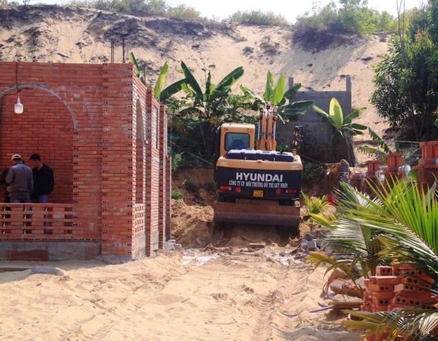 Bất lực với tình trạng lấn chiếm, xây nhà trái phép tại Nhơn Hội - 1