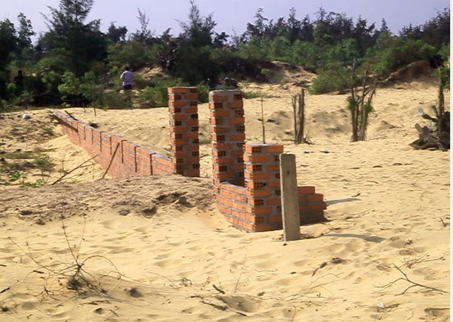 Bất lực với tình trạng lấn chiếm, xây nhà trái phép tại Nhơn Hội - 2