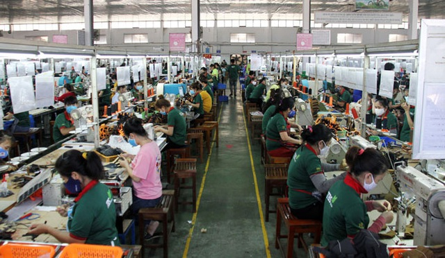 Đà Nẵng: Vừa phòng dịch Covid-19 vừa bảo vệ công nhân - 1