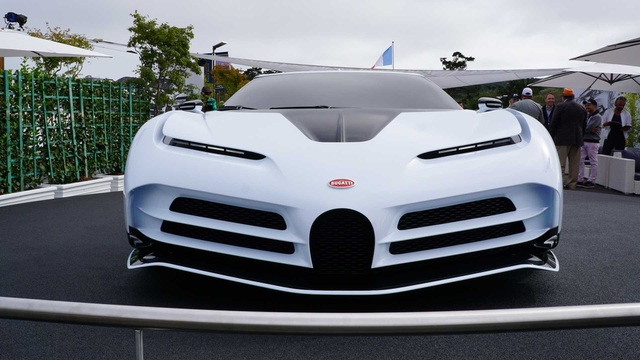 CR7 vung tiền mua siêu xe đắt nhất thế giới Bugatti Centodieci - 1
