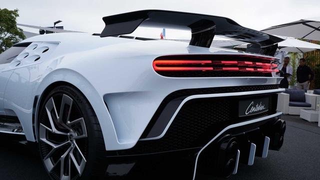 CR7 vung tiền mua siêu xe đắt nhất thế giới Bugatti Centodieci - 12