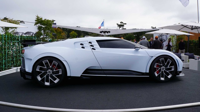 CR7 vung tiền mua siêu xe đắt nhất thế giới Bugatti Centodieci - 6
