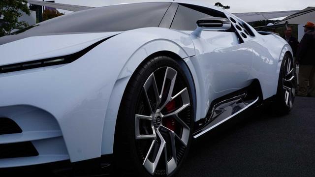 CR7 vung tiền mua siêu xe đắt nhất thế giới Bugatti Centodieci - 8