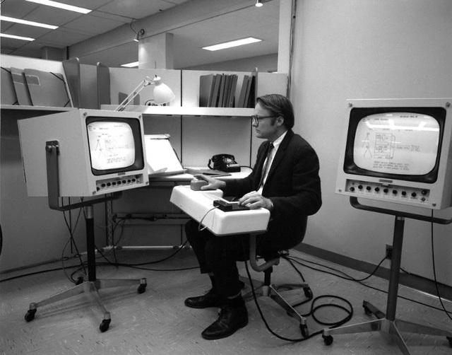 """""""Cha đẻ"""" của chuột máy tính qua đời ở tuổi 91 - 1"""