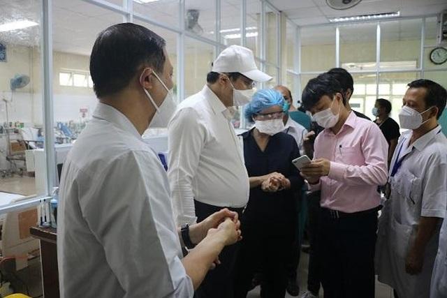 Ổ dịch bệnh viện Đà Nẵng quét sạch Covid-19, đón bệnh nhân đến khám - 3