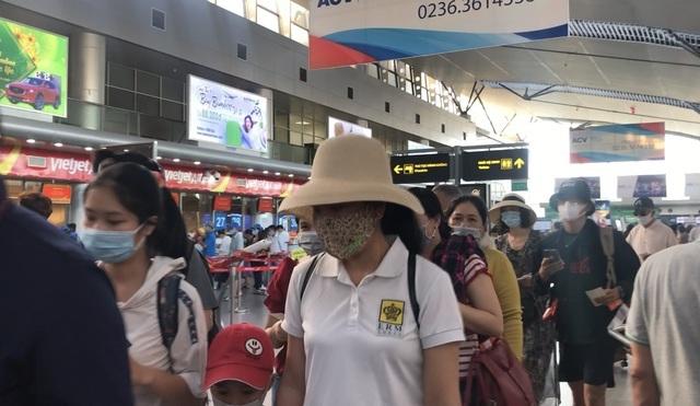 Đà Nẵng đổi chốt hạn du khách đăng ký chuyến bay về Hà Nội, TP HCM - 1