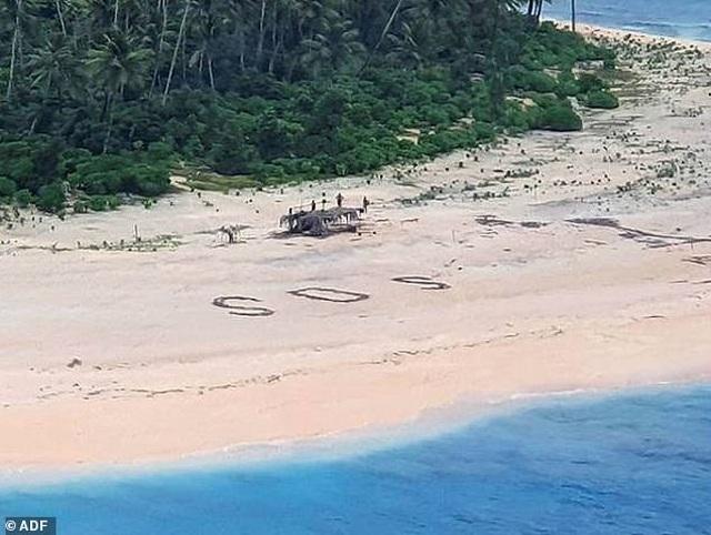 Được cứu sống khỏi đảo hoang nhờ dòng chữ viết trên cát - 2