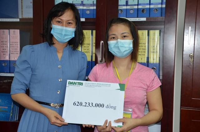 Bạn đọc ủng hộ bé gái 4 tuổi 620 triệu đồng để ghép tế bào gốc - 1
